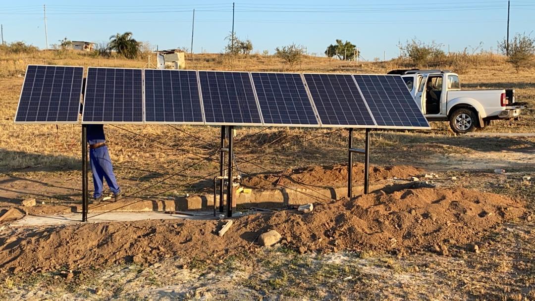MultiFlow Octa 80 with 7 x 330w Solar Modules